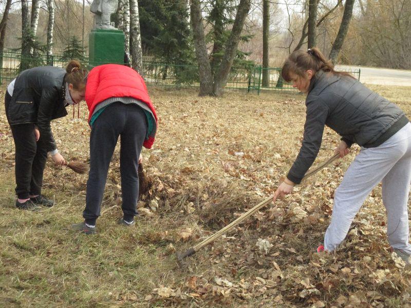 уборка парка села Елионка